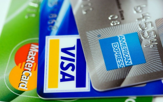Intereses abusivos en los contratos de tarjetas de crédito. Tarjetas REVOLVING con intereses usuarios