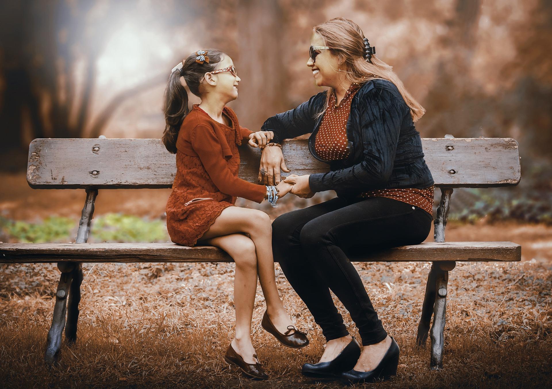 La necesidad de vivienda del hijo no puede depender de la estabilidad sentimental de la madre que convive con su nueva pareja