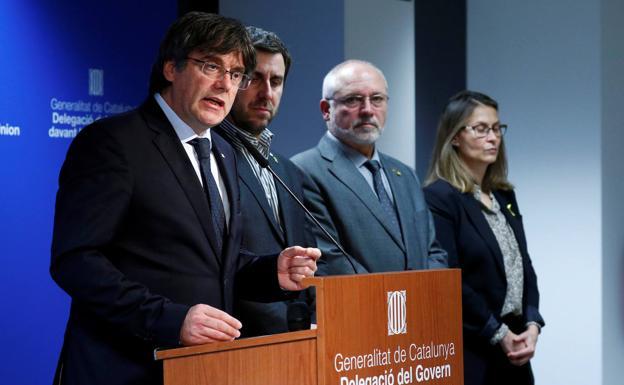 El juez Llarena dicta orden europea e internacional de detención contra Puigdemont por delitos de sedición y malversación