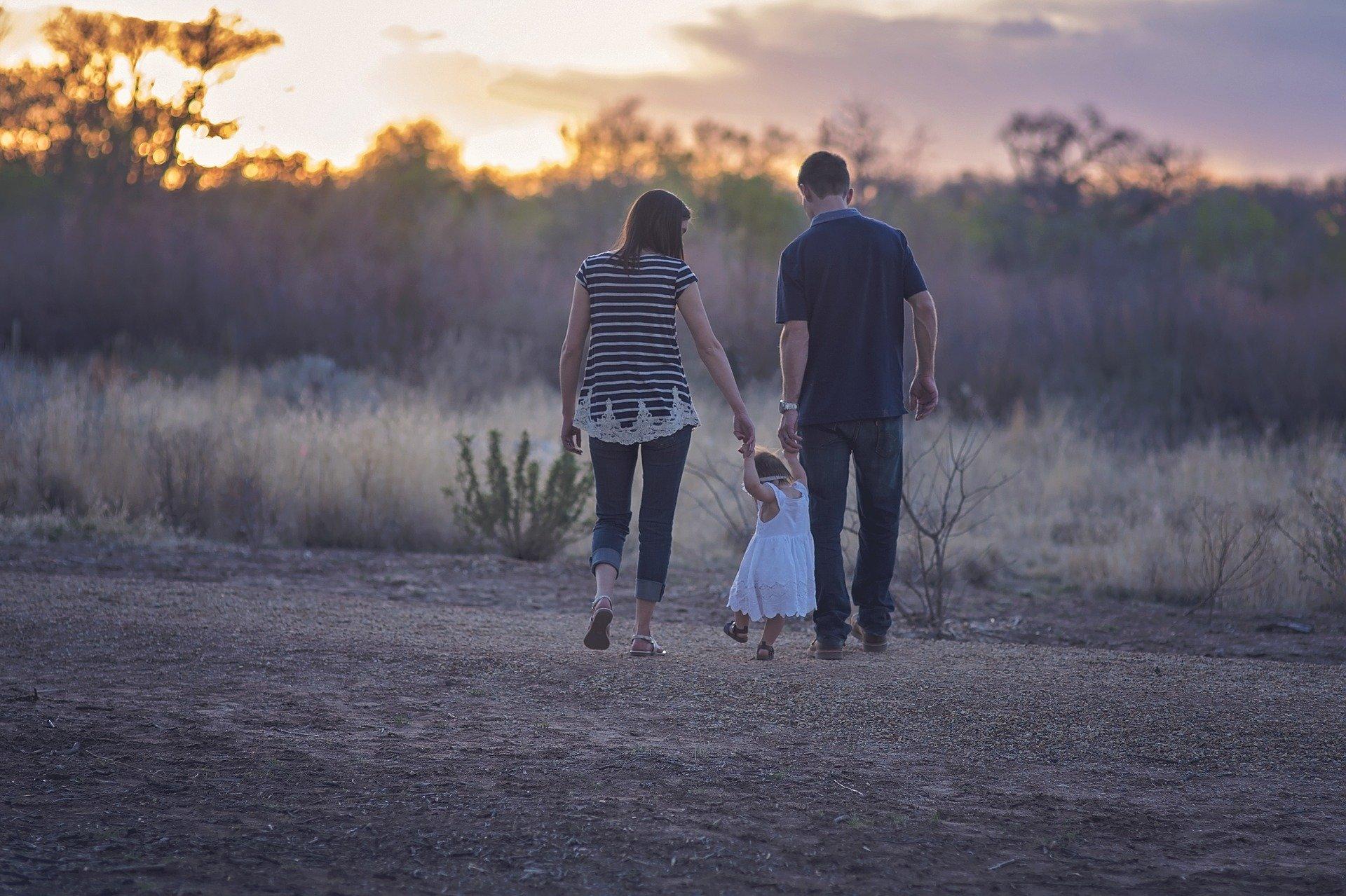 El CGPJ establece que corresponde al juez decidir en cada caso sobre la modificación del régimen de custodia, visitas y estancias acordado en los procedimientos de familia